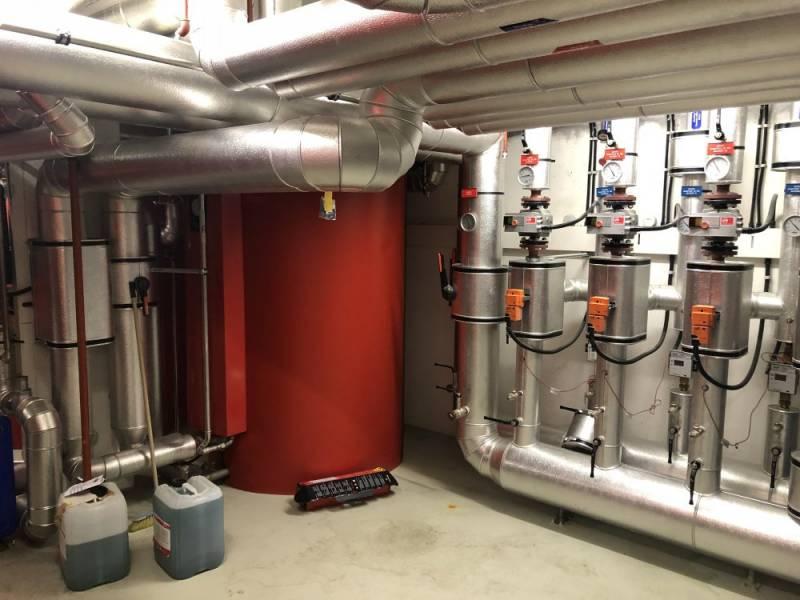 Collecteur-distributeur de chauffage, pompe à chaleur